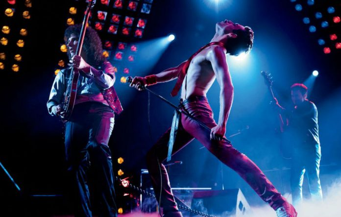 Adam Lambert si esibiranno sul palco