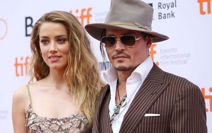 Johnny Depp denuncia l'ex moglie Amber Heard