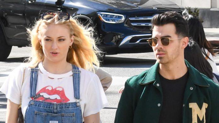 Sophie Turner incinta con Joe Jonas in dolce attesa