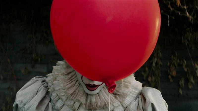 Pennywise nell'inquietante primo trailer del remake di IT