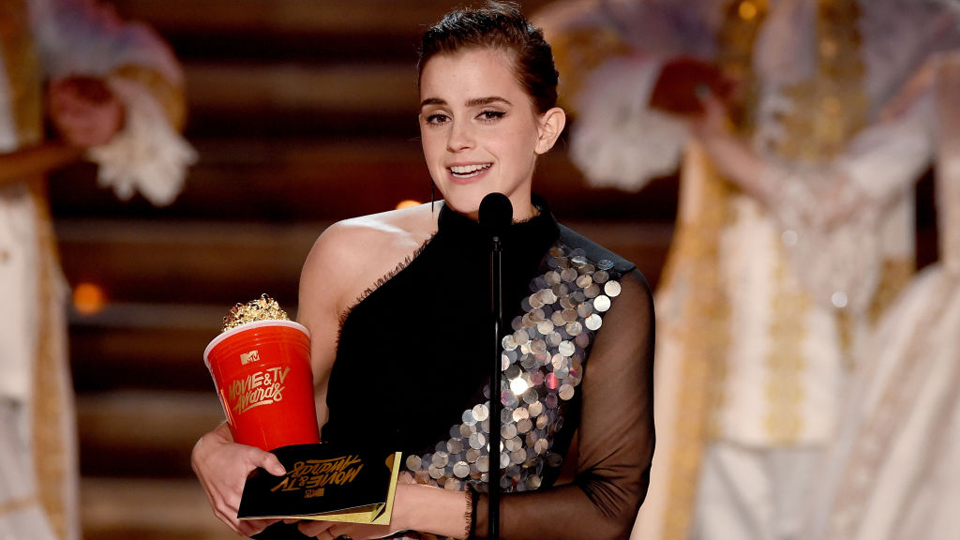 Emma Watson ritira il suo MTV Movie Awards
