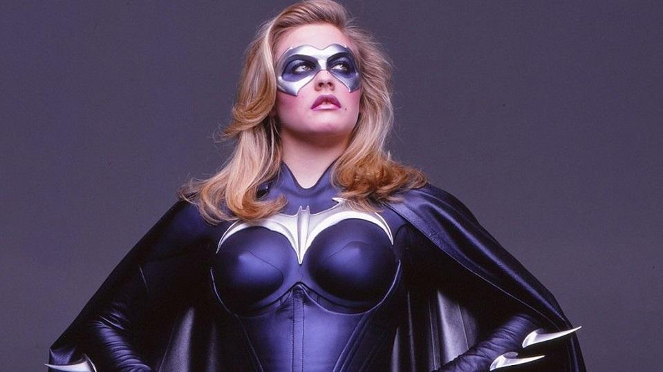 Alicia Silverstone nei panni di Batgirl