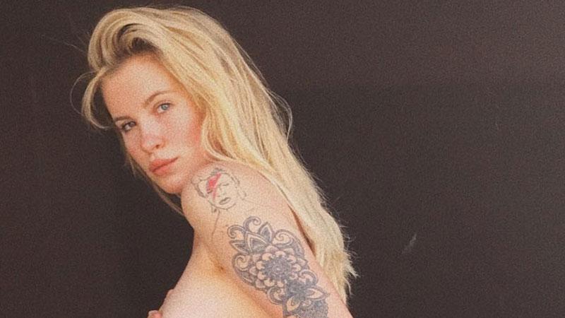 Ireland Basinger-Baldwin in topless su Instagram