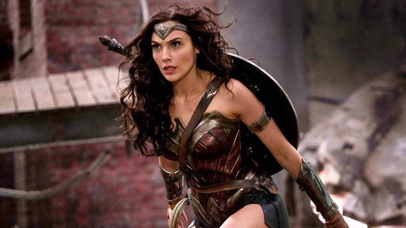 Gal Gadot pagata molto meno dei suoi colleghi DC per Wonder Woman?