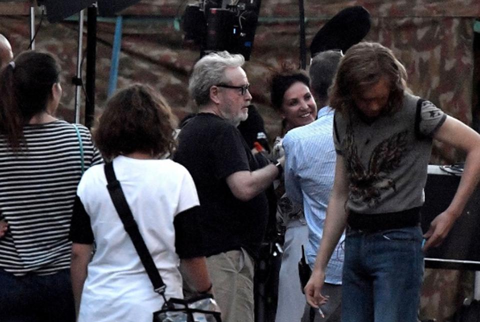 Ridley Scott sul set