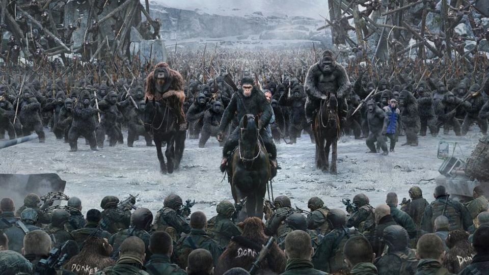 Cesare e i suoi seguaci in War - Il pianeta delle scimmie
