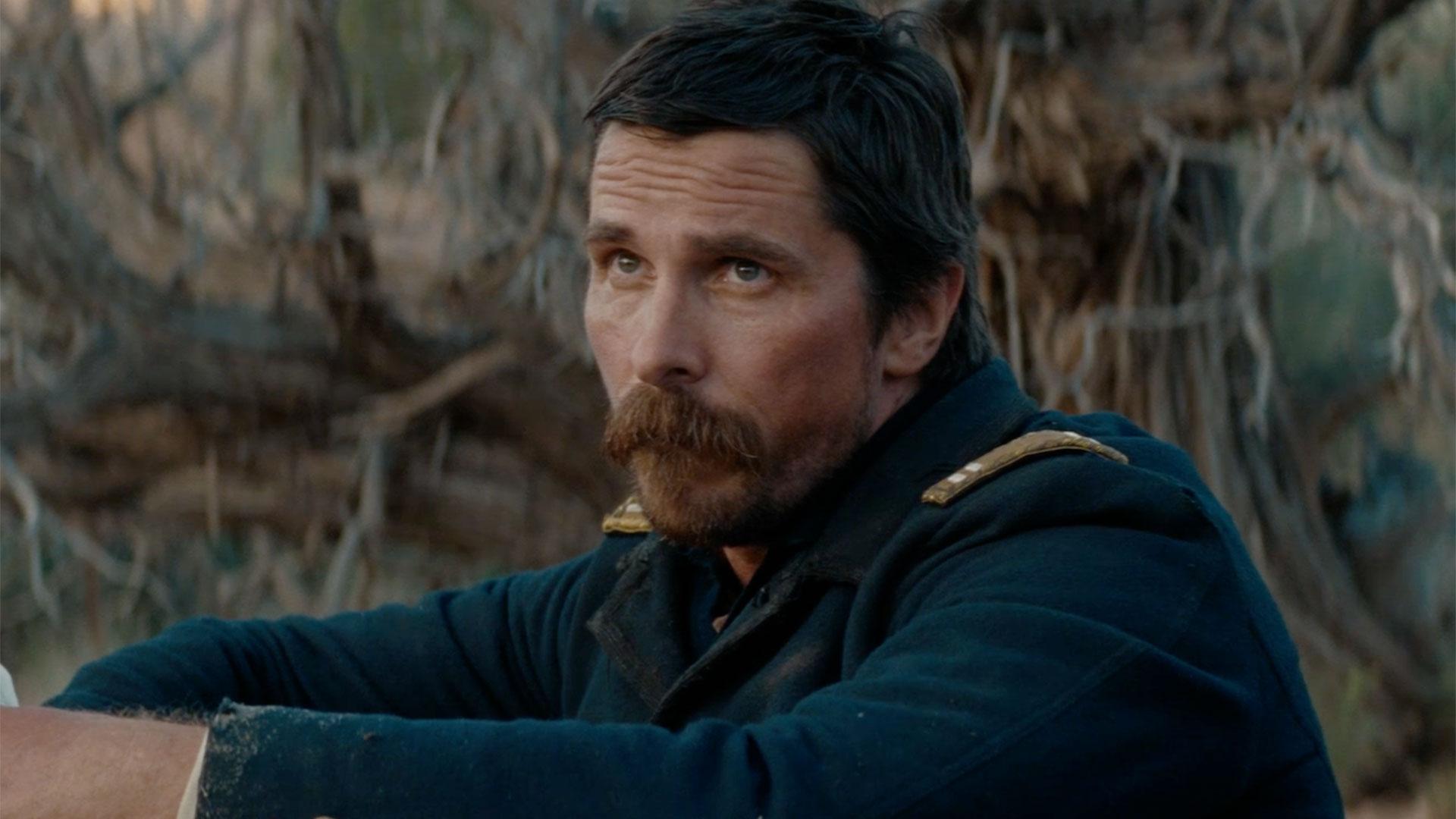 Hostiles, il nuovo western di Christian Bale, con Rosamund Pike