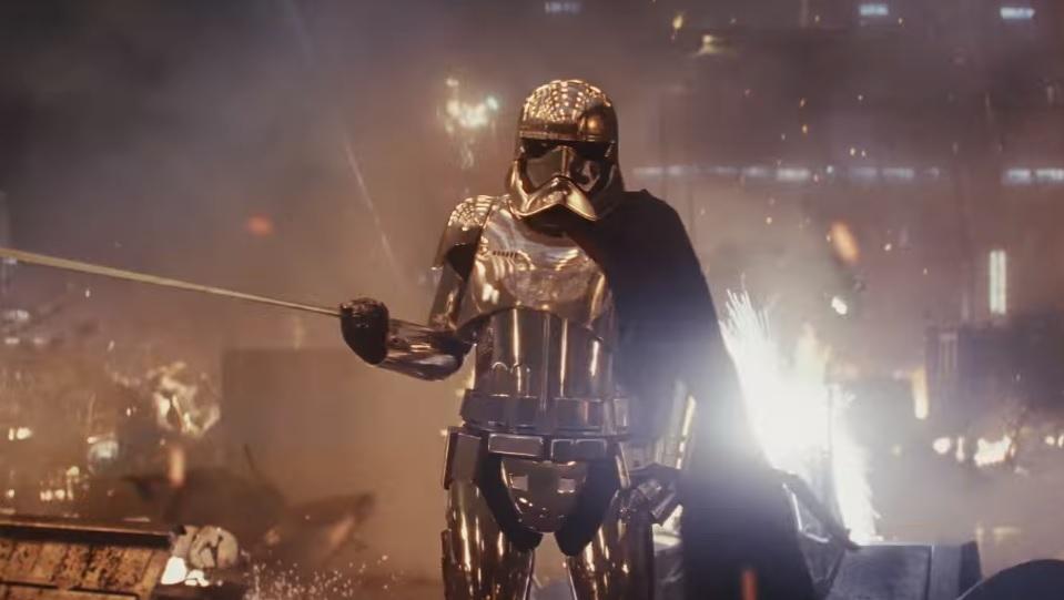 Captain Phasma in Star Wars: Gli ultimi Jedi