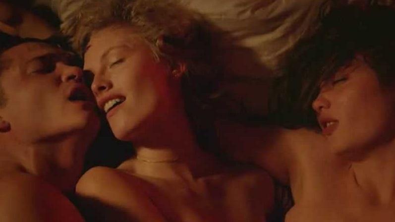 Julianne Moore Lesbian Scene