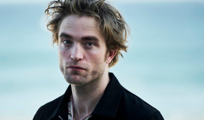 Robert Pattinson svela il suo outfit peggiore