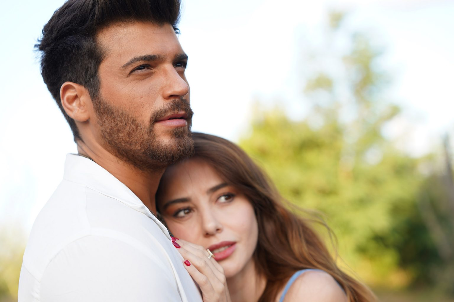 Bay Yanlis nona puntata, Serdar rovina il romantico compleanno di Ezgi... Dove e come vederla in italiano e i nuovi trailer